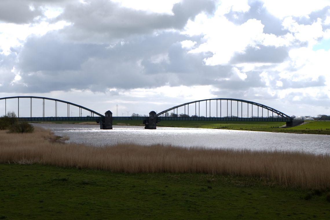Eiderbrücke bei Friedrichstadt an der alten B 5  © weites.land