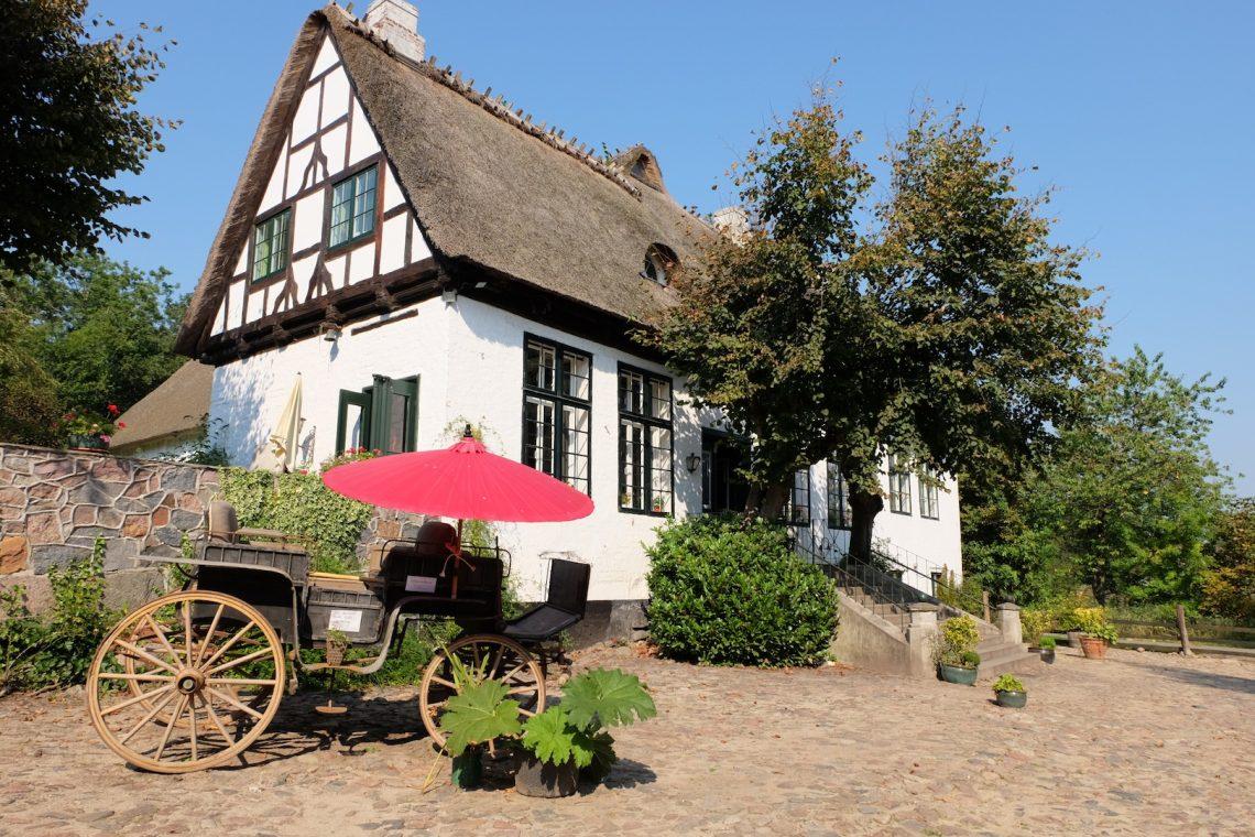 Café Lindauhof, Landarztpraxis Dekelsen | © weites.land