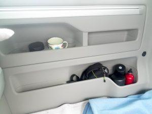 Der ADAC vermisst Ablagen im Kofferraum, nennt aber nicht die überaus zahlreichen Ablagen im Fond |©weites.land
