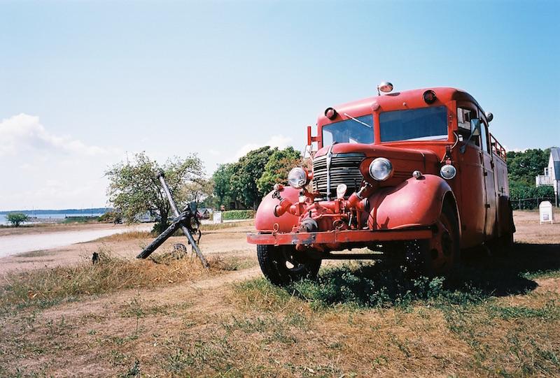 schwedische Feuerwehrautos auf Gotland in Ljugarn |© mare.photo