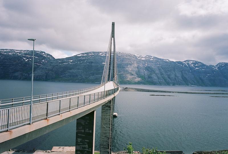 Helgelandbrücke, Helgeland, Kodak Ektar, Leica Elmarit 2.8 28 asph.