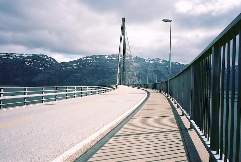 Helgelandbrücke, Helgeland, Kodak Ektar, Leica Elmarit 2.8 28 asph. |©mare.photo