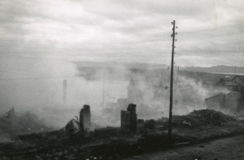 Taktik der verbrannten Erde in der Finnmark. Zweite Weltkrieg Besetzung Norwegen  ©Varanger Museum